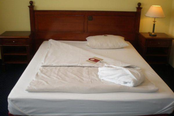 Bett im Dorint Marc Aurel Hotel - Standard Zimmer